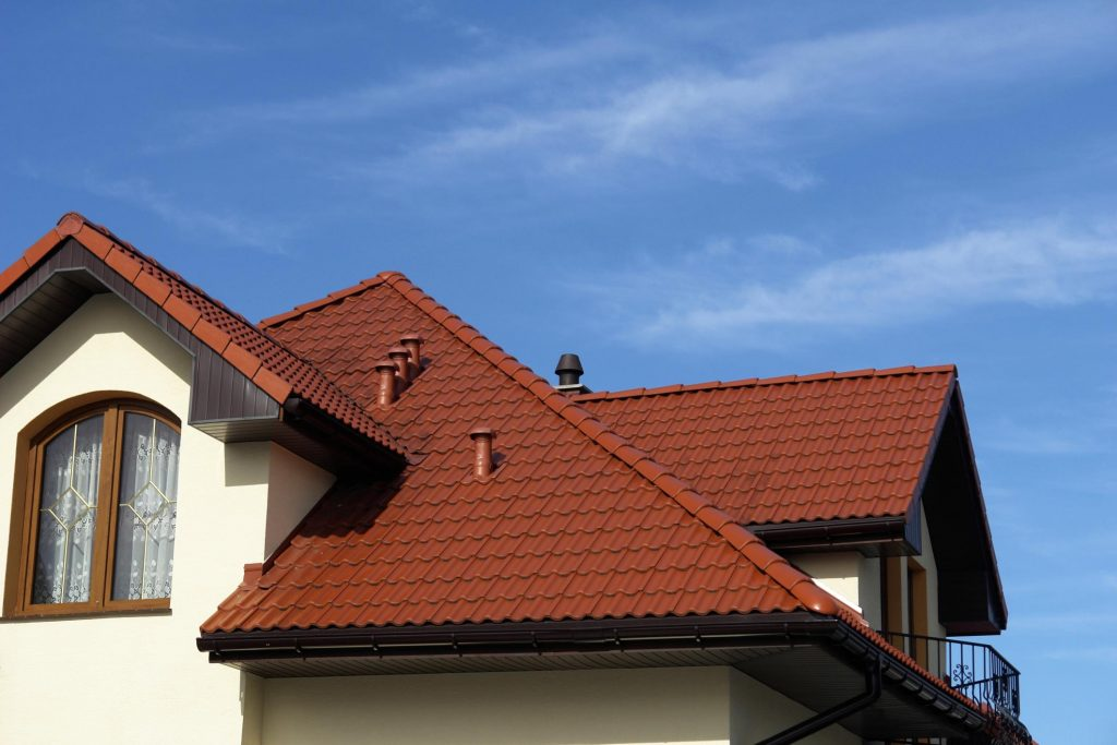 this picture shows tracy roofing pros service