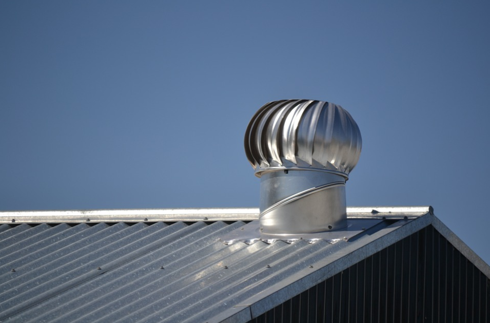 An image of finished metal roof in Tracy, California.