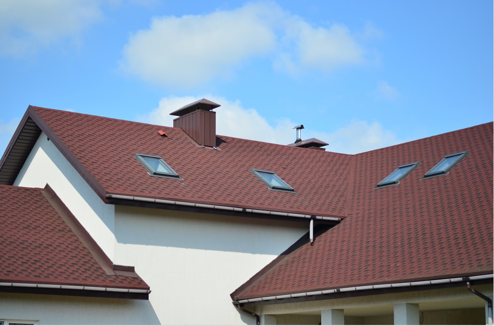 A pictutre of slate roof in Tracy, CA.